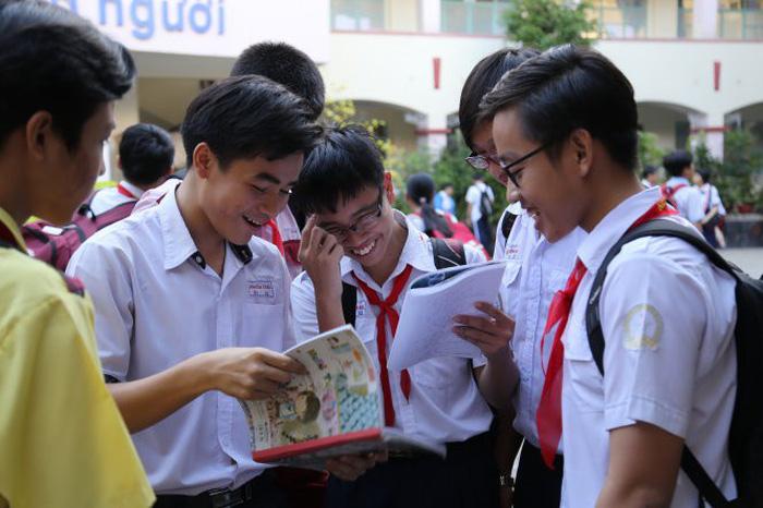 Toàn cảnh tuyển sinh đầu cấp năm học 2018-2019 ở TP.HCM - Ảnh 1.