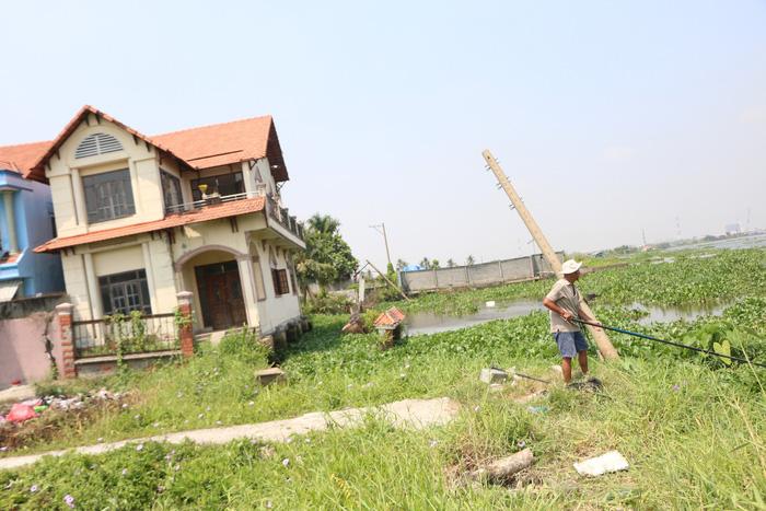 Dân TP.HCM sống phập phồng trong vùng sạt lở - Ảnh 5.