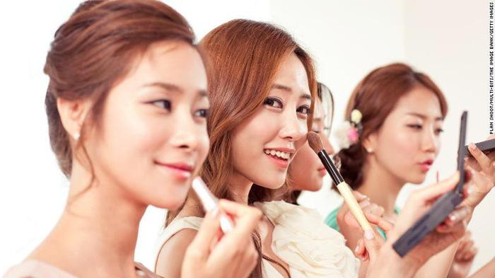 Người Hàn giỏi bán dịch vụ chăm sóc sức khỏe - Ảnh 1.