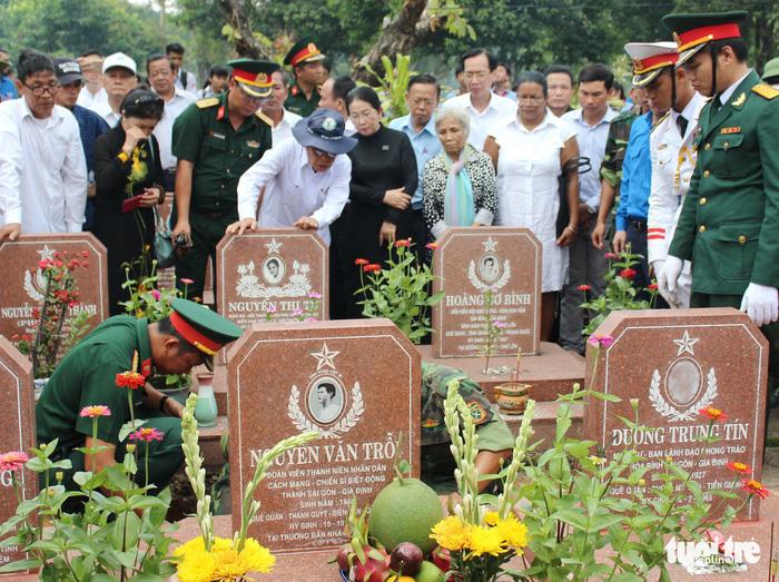 Anh Nguyễn Văn Trỗi đã an nghỉ tại nghĩa trang liệt sĩ TP.HCM - Ảnh 8.