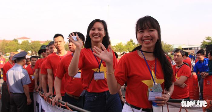 Đoàn Hành trình Tuổi trẻ vì biển đảo quê hương lên đường thăm Trường Sa - Ảnh 4.