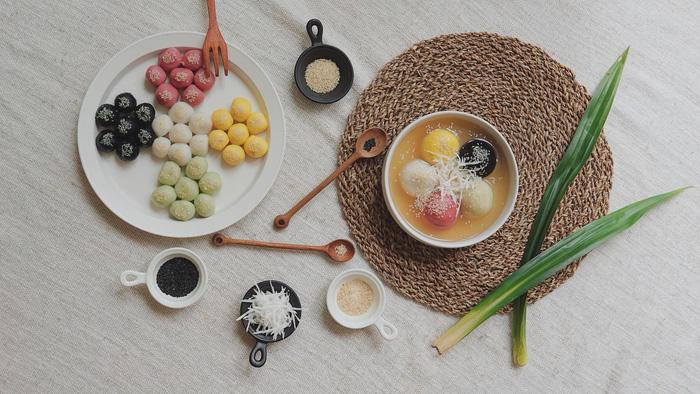 Làm bánh trôi ngũ sắc tết Hàn thực - Ảnh 1.