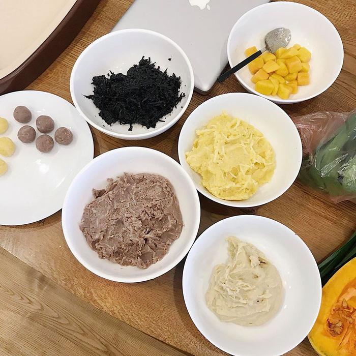 Làm bánh trôi ngũ sắc tết Hàn thực - Ảnh 12.