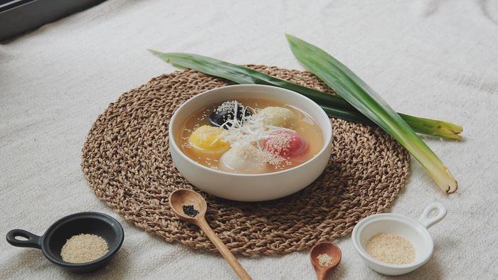 Làm bánh trôi ngũ sắc tết Hàn thực - Ảnh 18.