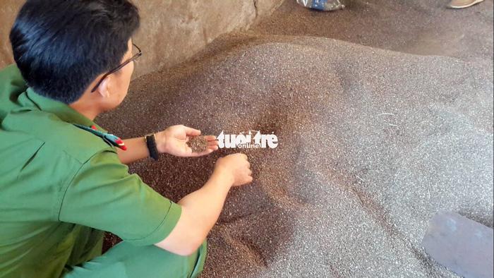Còn nhiều cà phê bẩn trộn than pin tại 'thủ phủ' Đắk Nông - ảnh 4