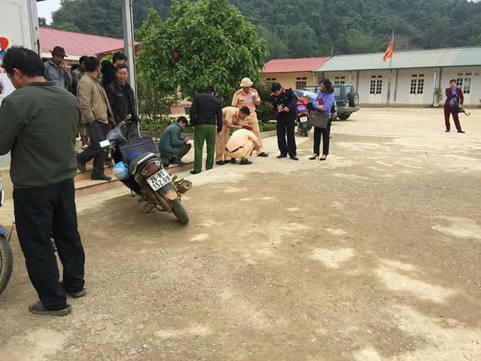 Giáo viên lùi xe bất cẩn, 1 học sinh tử vong - Ảnh 2.