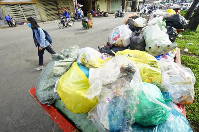 Người Việt thải gần 18.000 tấn rác thải nhựa mỗi ngày - Ảnh 5.