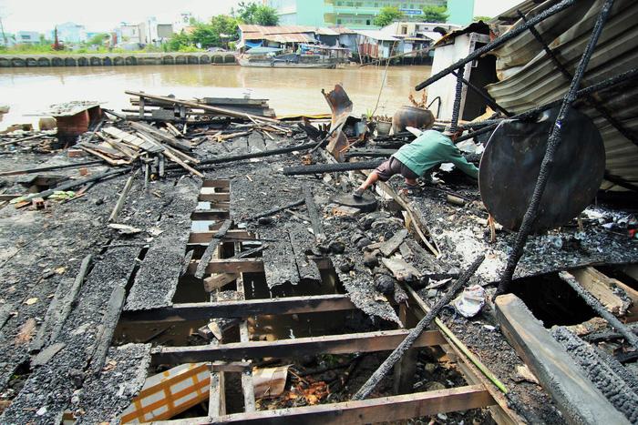 8 căn nhà bị cháy ở Mỹ Tho không được sửa vì thuộc diện giải tỏa - Ảnh 2.
