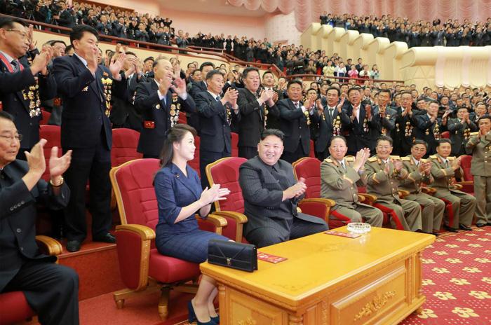 Triều Tiên tuyên bố từ nay thôi thử hạt nhân, tên lửa - Ảnh 1.