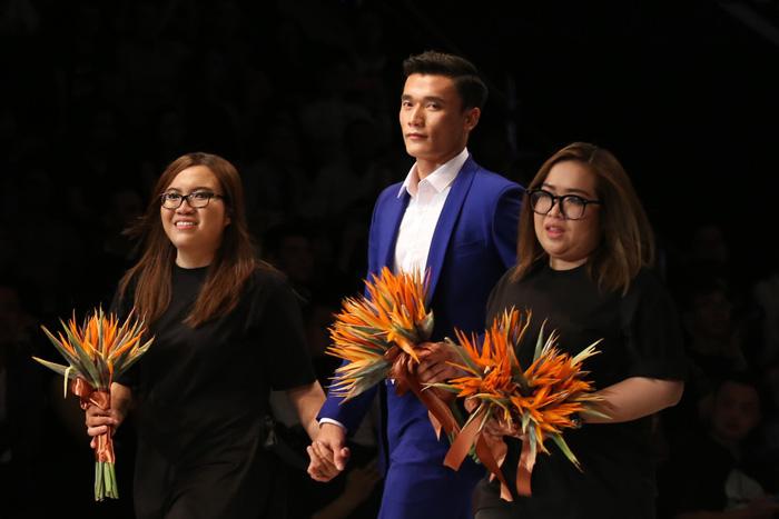 Bùi Tiến Dũng U23 Việt Nam đốt nóng sàn diễn thời trang quốc tế - Ảnh 6.