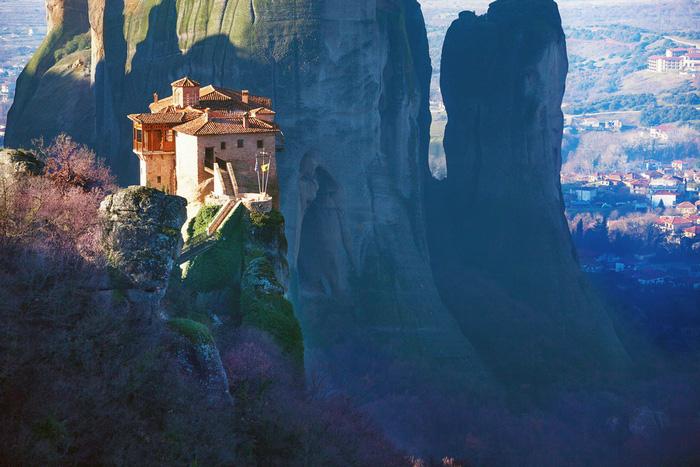 Độc đáo tu viện Meteora lơ lửng trên núi tại Hy Lạp - Ảnh 10.
