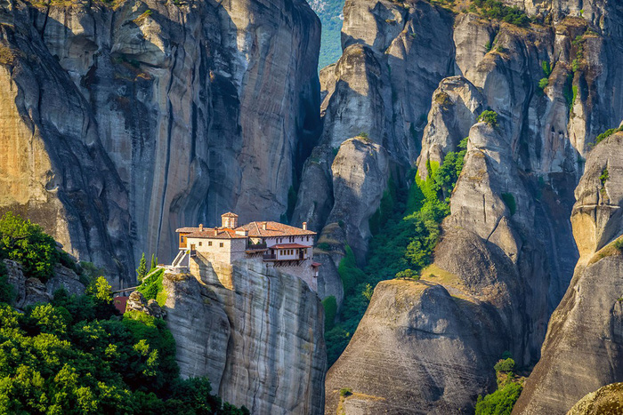 Độc đáo tu viện Meteora lơ lửng trên núi tại Hy Lạp - Ảnh 14.
