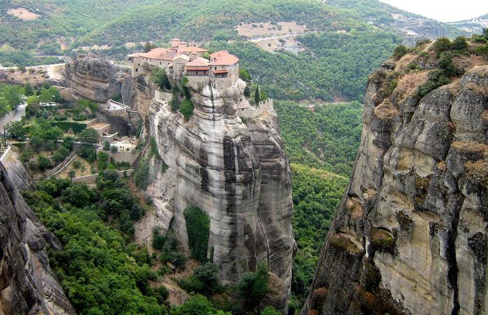 Độc đáo tu viện Meteora lơ lửng trên núi tại Hy Lạp - Ảnh 17.