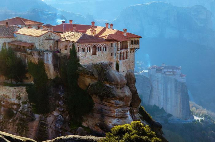 Độc đáo tu viện Meteora lơ lửng trên núi tại Hy Lạp - Ảnh 4.