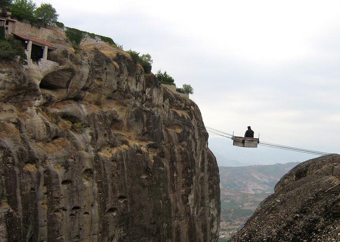 Độc đáo tu viện Meteora lơ lửng trên núi tại Hy Lạp - Ảnh 9.