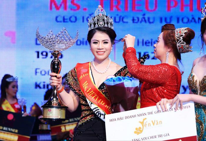Hoa hậu doanh nhân nghi cầm đầu đường dây mua bán hóa đơn ngàn tỉ - Ảnh 1.