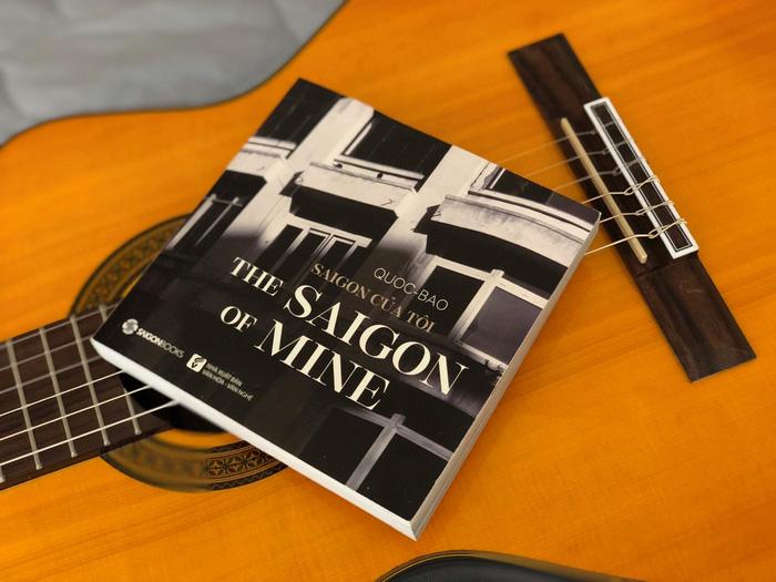Cuốn sách ảnh Sài Gòn trong mắt - Ảnh: NVCC