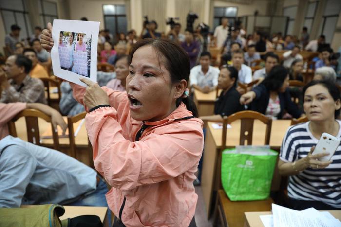 Dân Thủ Thiêm rơi nước mắt kiến nghị với đại biểu quốc hội - Ảnh 14.