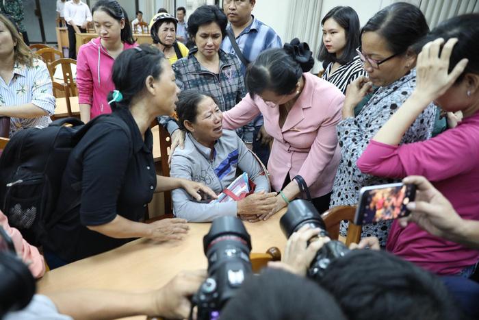 Dân Thủ Thiêm rơi nước mắt kiến nghị với đại biểu quốc hội - Ảnh 8.
