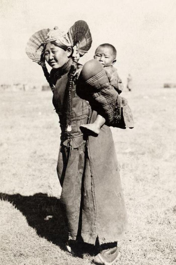 Ngày của mẹ: 100 năm hình ảnh người mẹ qua bộ ảnh xưa - Ảnh 6.