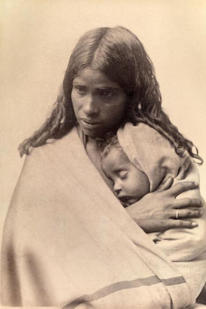 Ngày của mẹ: 100 năm hình ảnh người mẹ qua bộ ảnh xưa - Ảnh 7.
