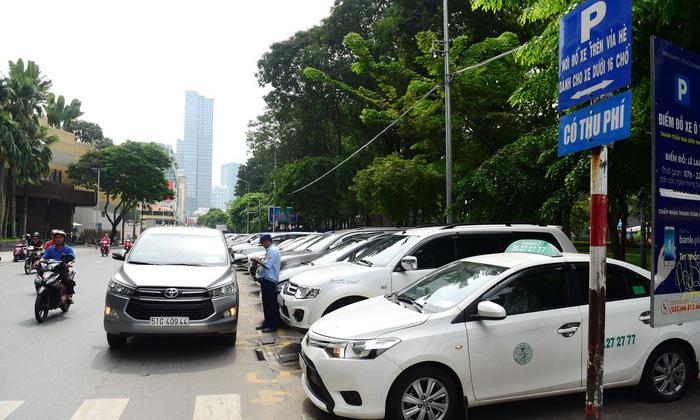 TP.HCM thu phí đậu ôtô 20.000 - 30.000đ/giờ - Ảnh 3.