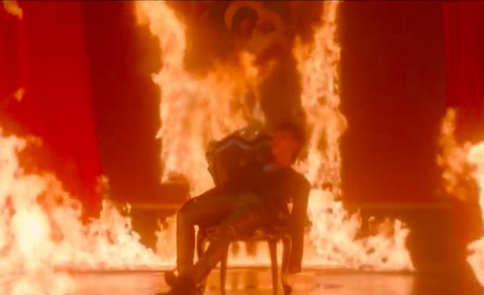 Đốt tranh Đức Mẹ sầu bi, Sơn Tùng M-TP có phải muốn đốt đền? - Ảnh 12.