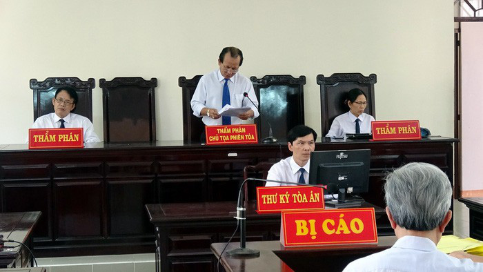 Hủy bản án treo vụ dâm ô ở Vũng Tàu, phạt ông Nguyễn Khắc Thủy 3 năm tù - Ảnh 2.
