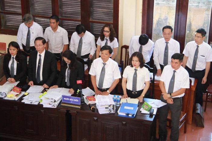 Xét xử bác sĩ Hoàng Công Lương vụ 8 bệnh nhân chạy thận tử vong - Ảnh 6.