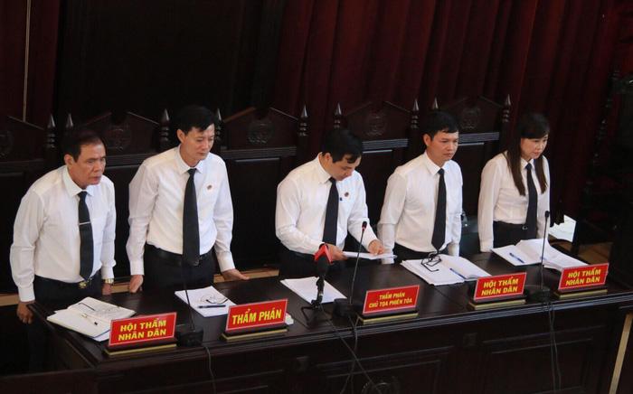 Xét xử bác sĩ Hoàng Công Lương vụ 8 bệnh nhân chạy thận tử vong - Ảnh 5.