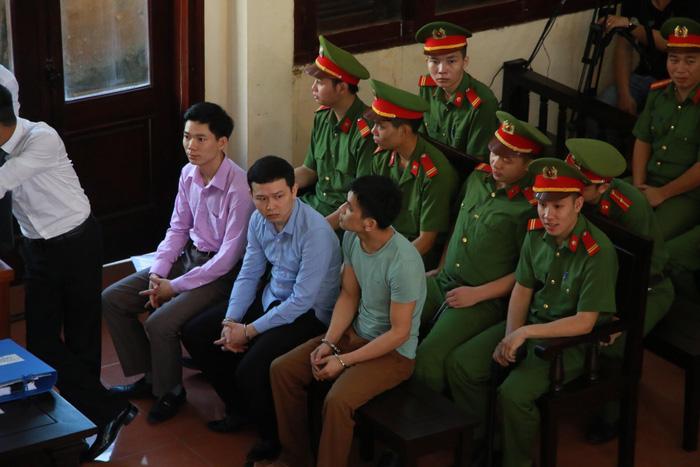 Xét xử bác sĩ Hoàng Công Lương vụ 8 bệnh nhân chạy thận tử vong - Ảnh 4.
