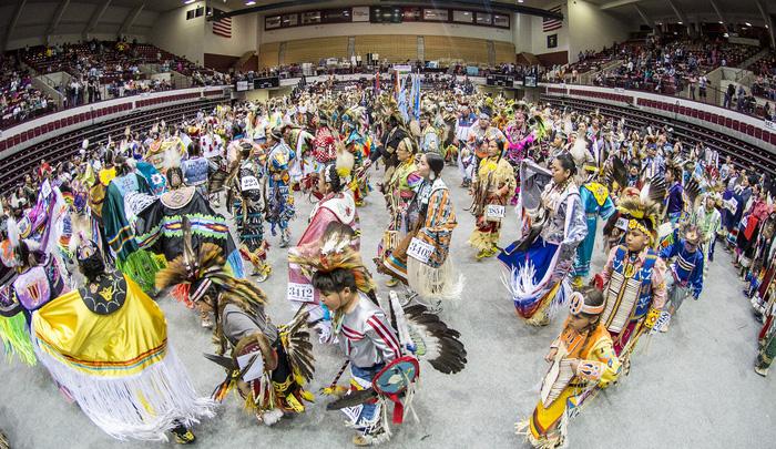 Độc đáo lễ hội 'Pow Wow' của người da đỏ - Ảnh 8.