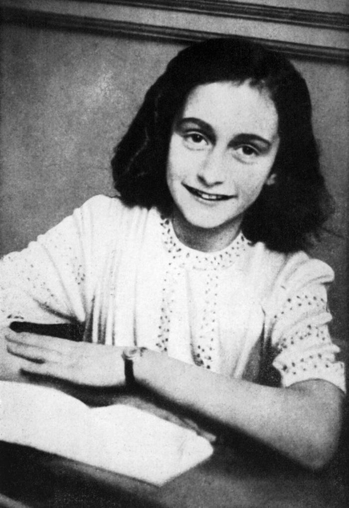 Tìm thấy 2 trang bị giấu đi của Nhật ký Anne Frank - Ảnh 1.