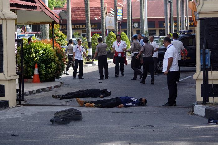 Indonesia liên tiếp bị tấn công khủng bố, vì sao? - Ảnh 1.