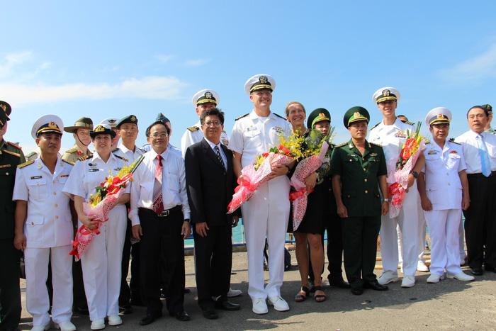 Siêu bệnh viện USNS Mercy của Hải quân Mỹ đến Nha Trang - Ảnh 5.
