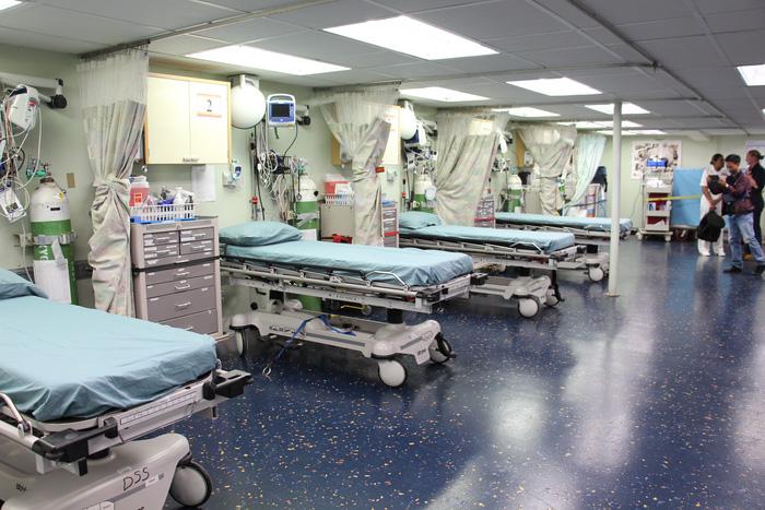 Siêu bệnh viện USNS Mercy của Hải quân Mỹ đến Nha Trang - Ảnh 11.
