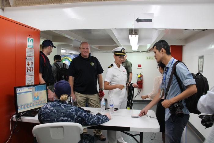 Siêu bệnh viện USNS Mercy của Hải quân Mỹ đến Nha Trang - Ảnh 18.