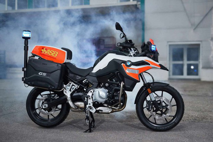 BMW ra mắt 6 mẫu xe cảnh sát - chữa cháy - cứu thương - Ảnh 5.