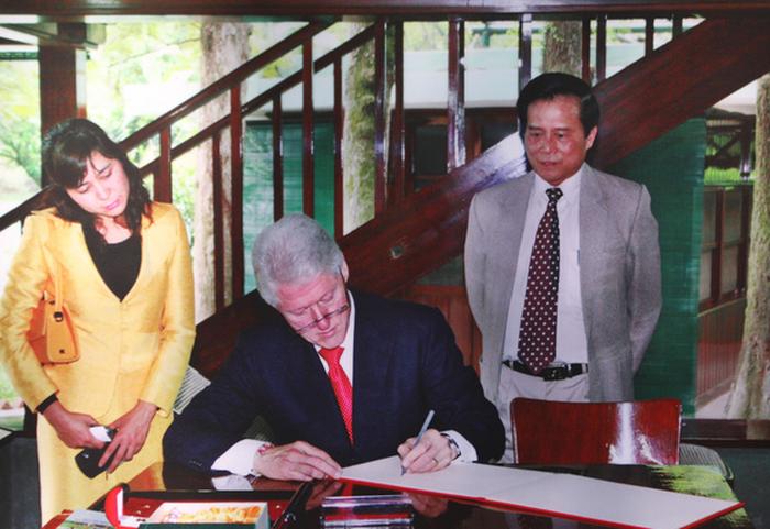 Triển lãm 60 năm nhà sàn Bác Hồ trong Phủ Chủ tịch - Ảnh 9.
