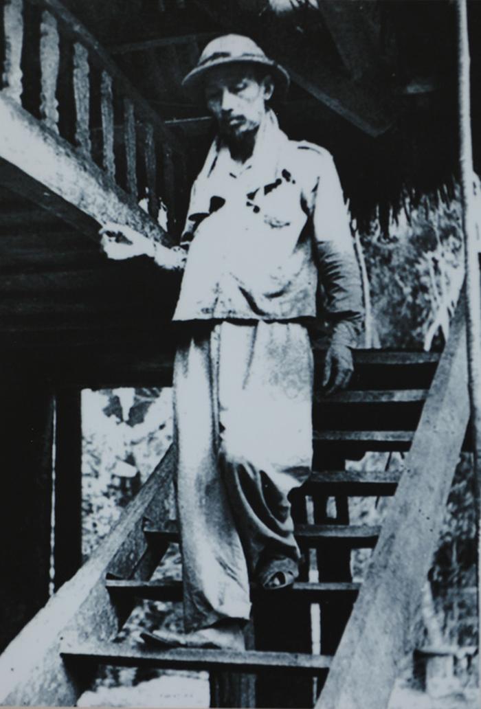 Triển lãm 60 năm nhà sàn Bác Hồ trong Phủ Chủ tịch - Ảnh 3.