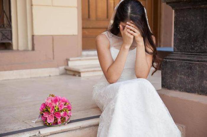 Cô dâu phẫn nộ vì mẹ chồng muốn mặc váy trắng dự đám cưới - Ảnh 1.