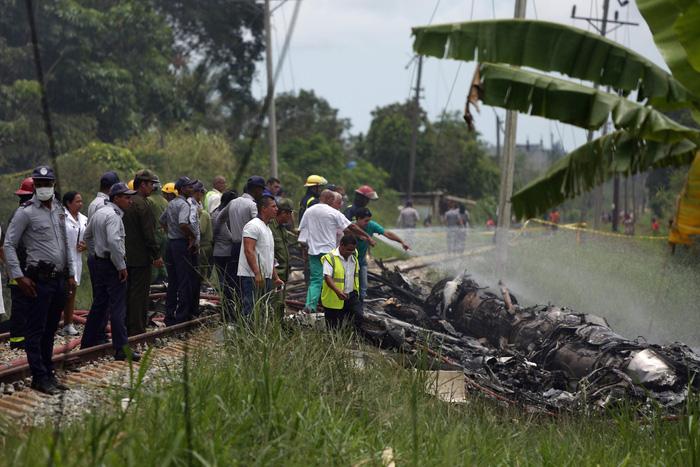 Máy bay rơi ở Cuba, hơn 100 hành khách thiệt mạng - Ảnh 4.