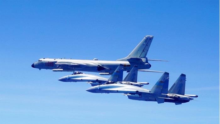 Mỹ lên án Trung Quốc thử máy bay ném bom ở Hoàng Sa - Ảnh 1.