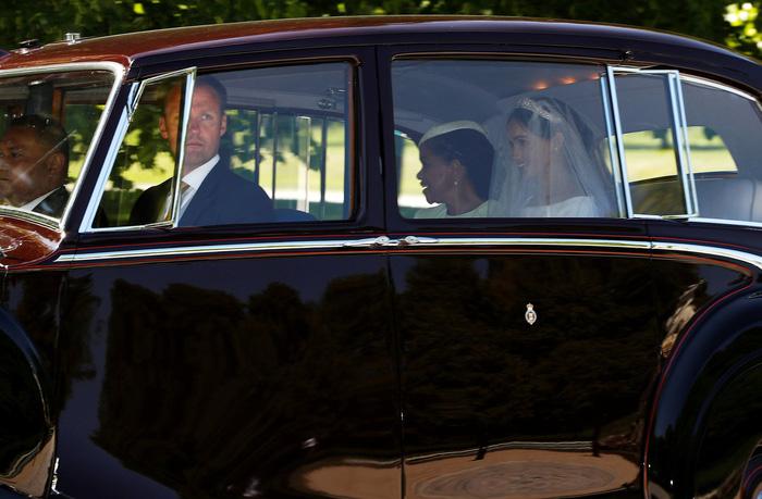 Những khoảnh khắc đẹp nhất của đám cưới Hoàng gia - Ảnh 4.