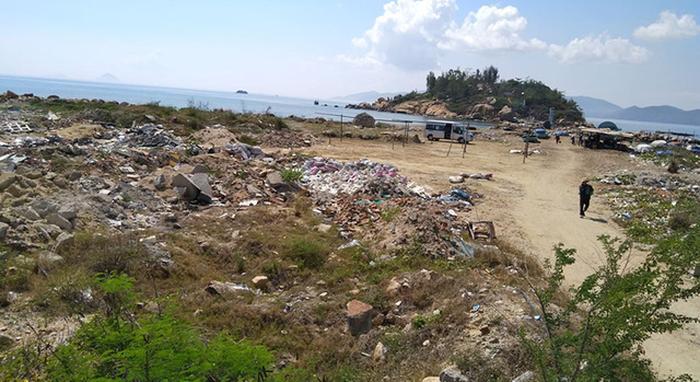 Chậm thu hồi dự án bãi rác Nha Trang Sao do vướng luật? - Ảnh 1.