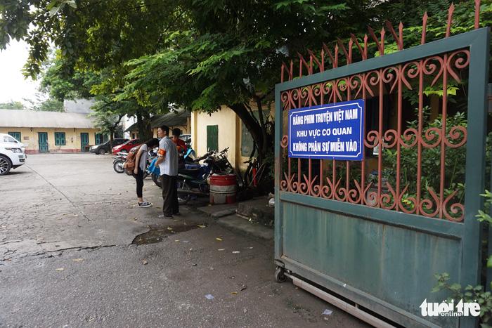 Hãng phim Truyện Việt Nam: cắt tiền bảo hiểm - xén bớt lương - Ảnh 1.