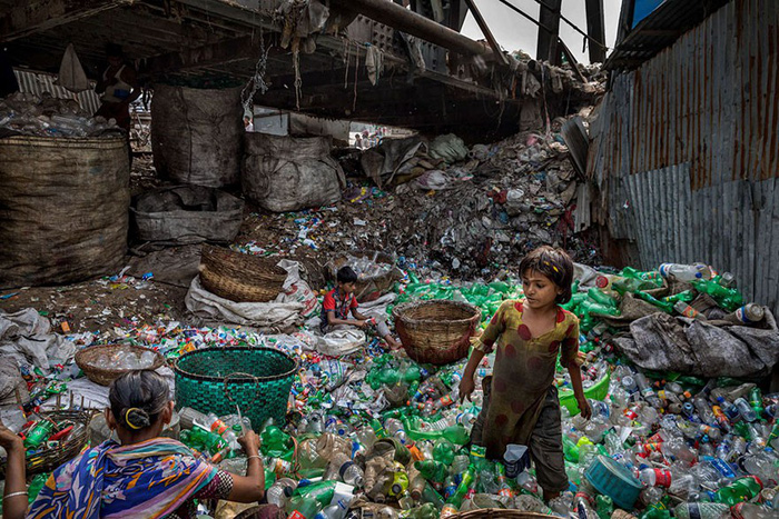Ám ảnh vì thế giới ngập trong rác thải nhựa - Ảnh 6.