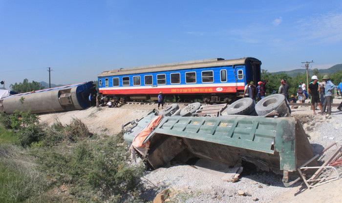Sẽ rà soát, bố trí lại cán bộ đường sắt - Ảnh 1.
