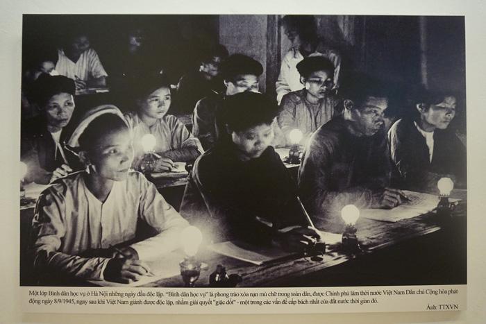 Xem những bức ảnh thời 'Ba đảm đang', diệt giặc đói, giặc dốt - Ảnh 8.