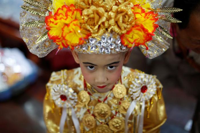 Nghi lễ 'Quy y cửa Phật' của những cậu bé xinh như hoa ở Thái Lan - Ảnh 8.